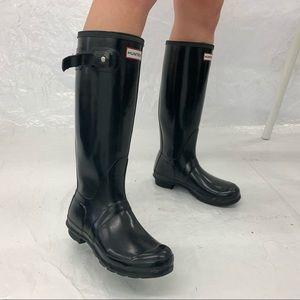 TALL BLACK GLOSSY HUNTER RAIN BOOTS SIZE 7.5-8
